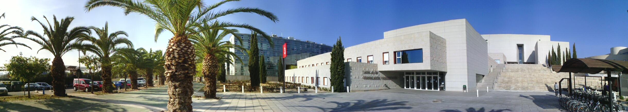 Facultad de Comunicación y Documentación Universidad de Murciaç